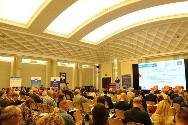 """Konferencja """"Społeczne wyzwania biznesu po 30 latach gospodarki wolnorynkowej w Polsce"""""""